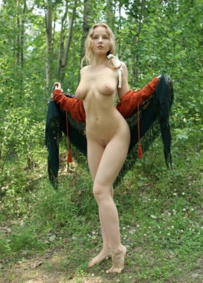 katya-naked-at-amour-angels